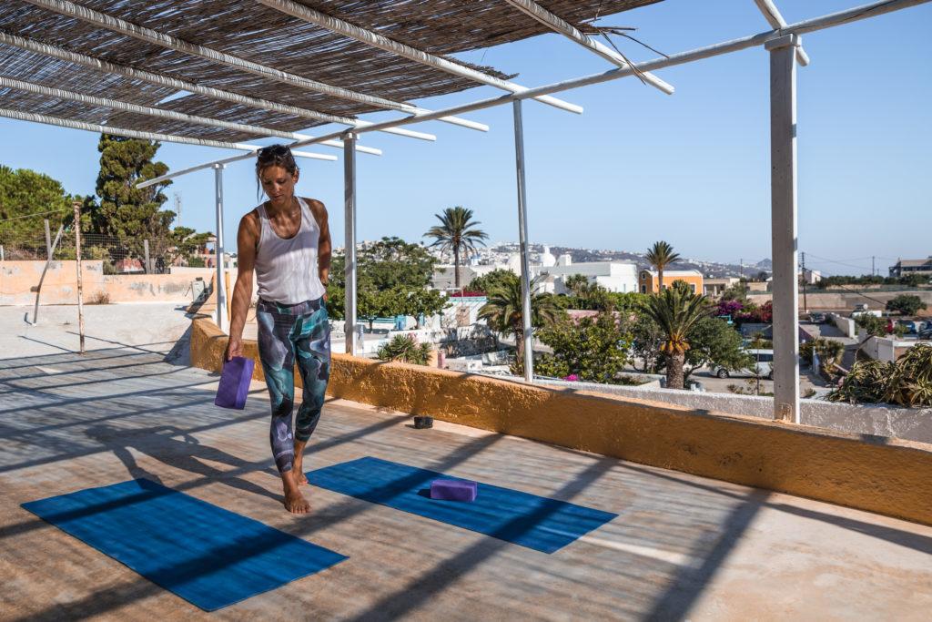 Yoga classes in Santorini